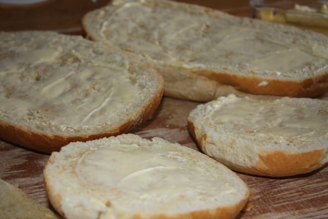 Garlic Bread In 3 Easy Ways 011