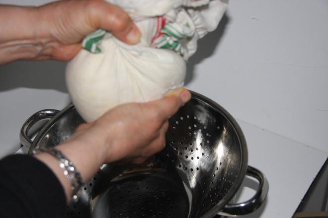 Homemade Ricotta Cheese 011